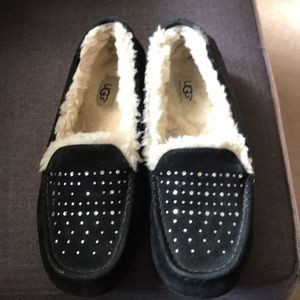 Uggs fleeced lined shoes sequined size 9